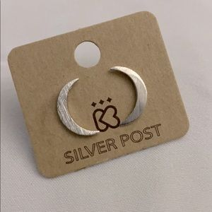 NWT Moon Moons Earrings Silver tone studs NEW Gift